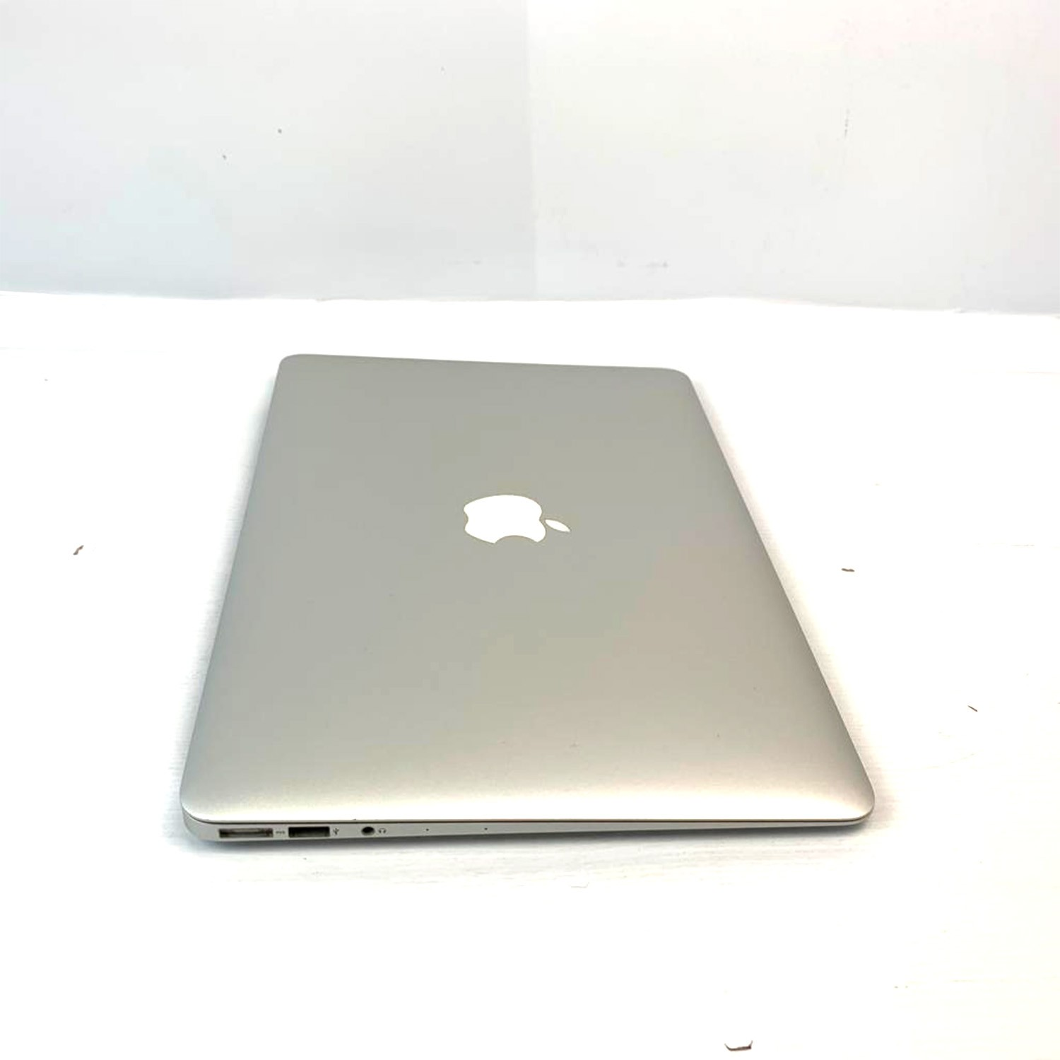 Macbook Air 13 i5 1.8Ghz 8GB 256gb SSD MQD32LL/A Seminovo