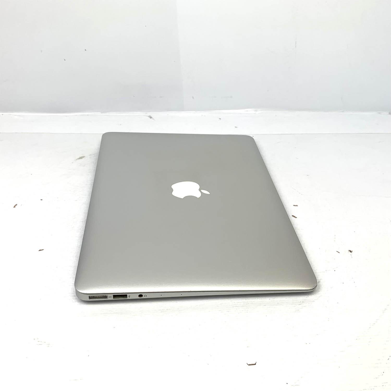 Macbook Air 13 i5 1.8Ghz 8GB 512gb SSD MQD32LL/A Seminovo