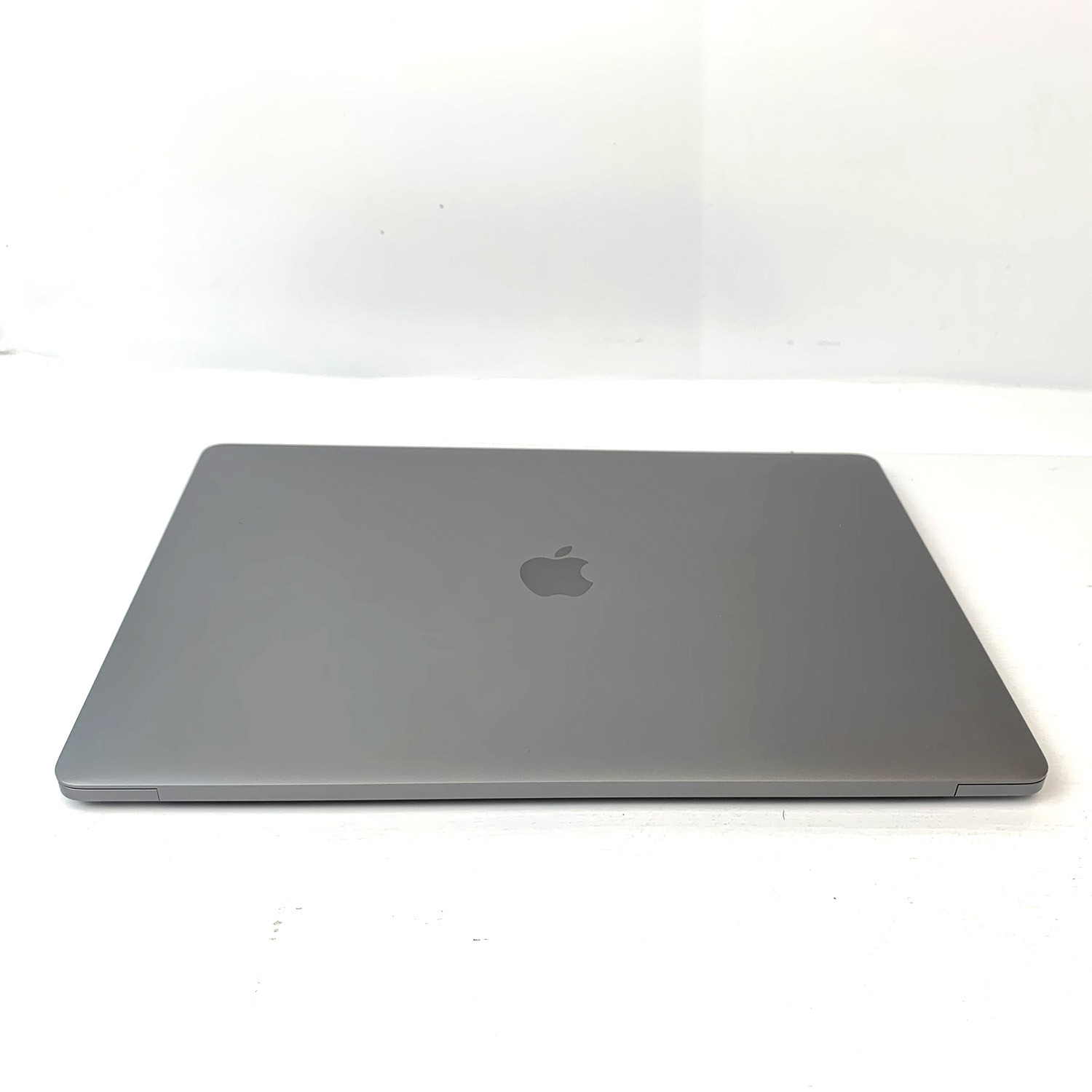 Macbook Pro 15 Silver i7 2.7Ghz 16GB 512GB SSD MLH42LL/A Seminovo