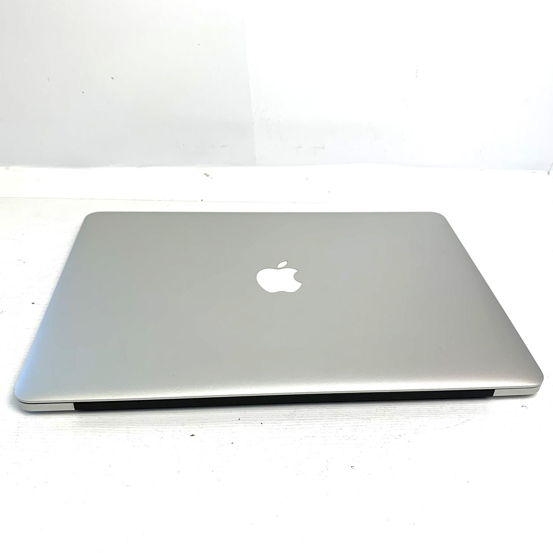 Macbook Pro Retina 15 i7 2.2Ghz 16GB 256GB SSD MJLQ2LL/A  Seminovo