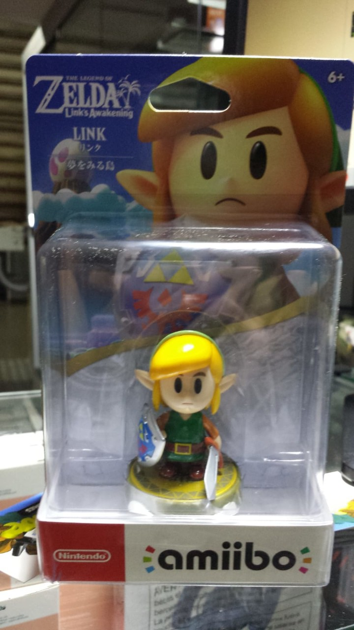 Amiibo Link The Legend of Zelda Links Awakening
