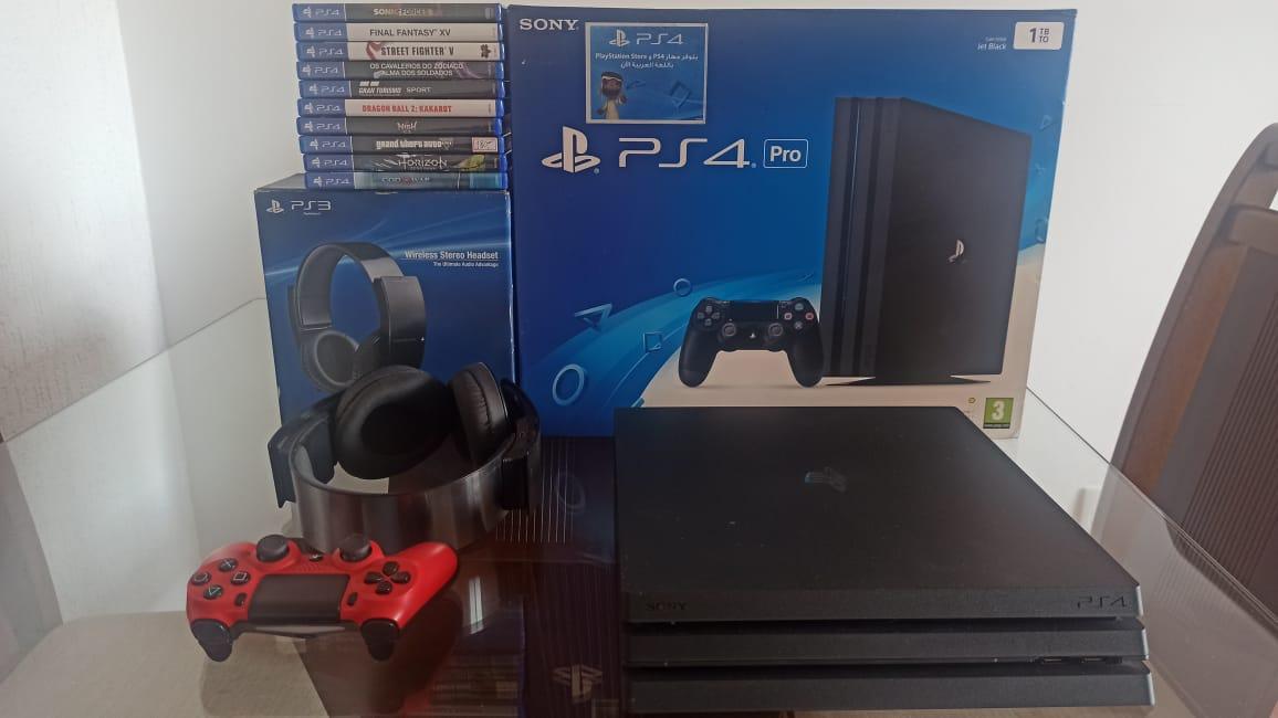 Playstation 4 Pro Ps4 Pro 1Tb Seminovo com controle e Sony Wireless Stereo Headset PS3 mais 10 Jogos