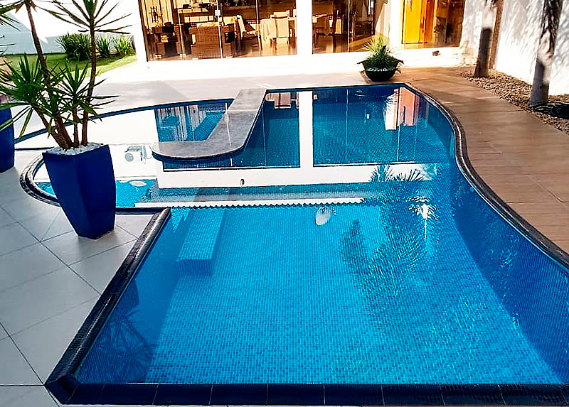 Borda de Piscina 12x25 Pastilhado Azul Royal
