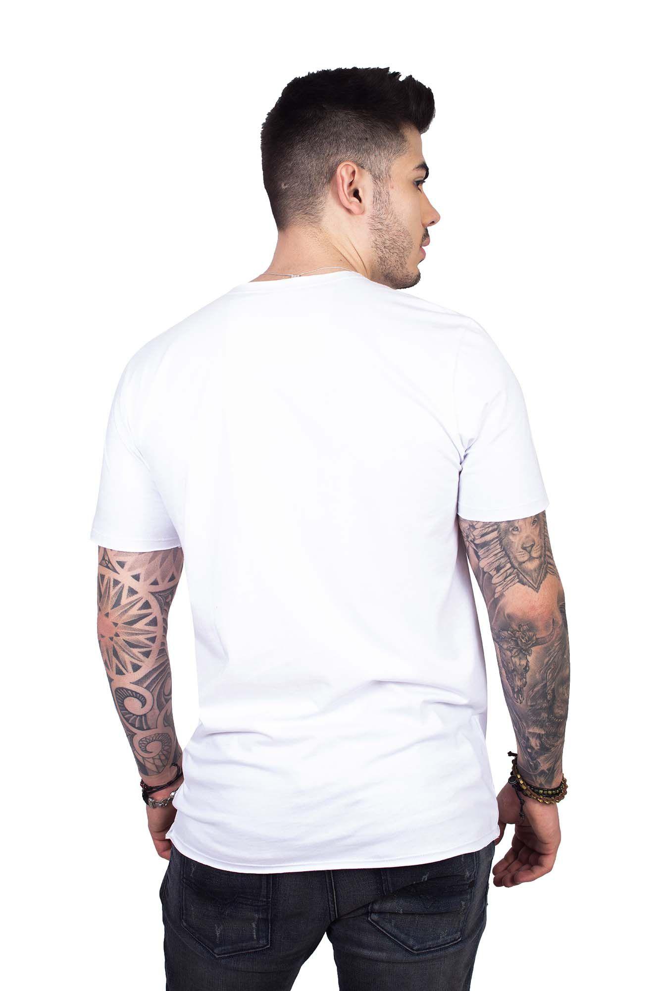7ee4326ab9 Camiseta Masculina Manga Curta Branca Caveira Camiseta Masculina Manga  Curta Branca Caveira
