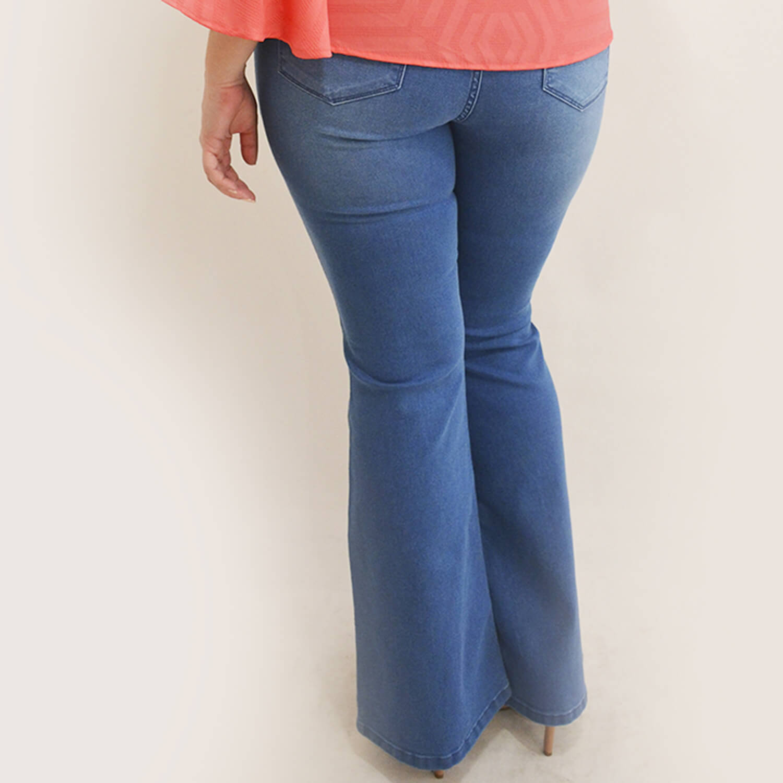 Calça Jeans Feminina Flare Plus Size - Annual Plus