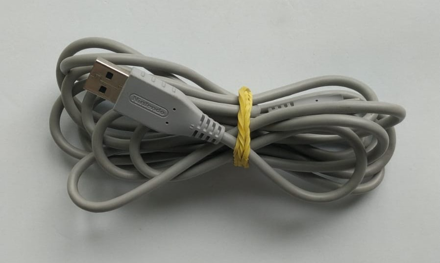 Cabo Wii U USB para mini USB - Nintendo Wii U - Usado