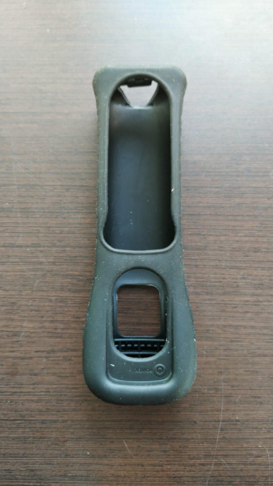 Capinha (preta) emborrachada para Wii Remote Plus - Nintendo Wii - Usado