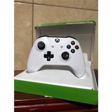 Controle Xbox One Branco White Wireless P2 (USADO)