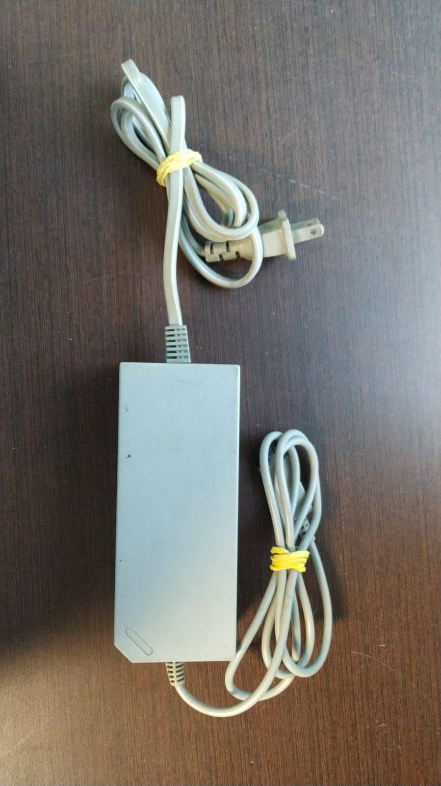 Fonte de energia para Nintendo Wii (paralela) - Usado
