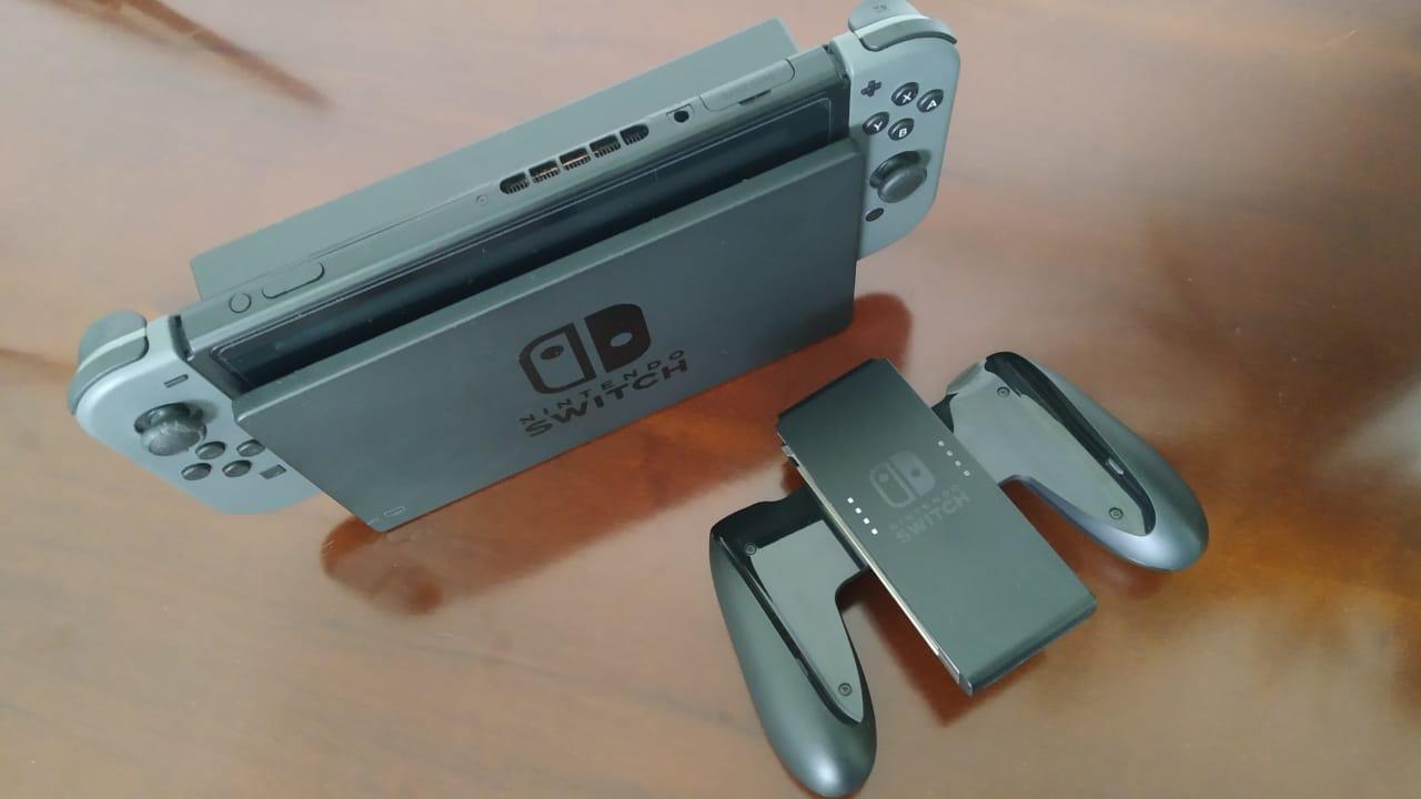 Nintendo Switch Cinza - USADO - Combo: Console + 3 jogos + Case