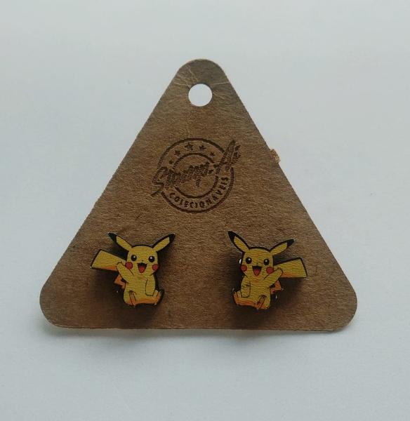 Par de brincos Pokémon: Pikachu