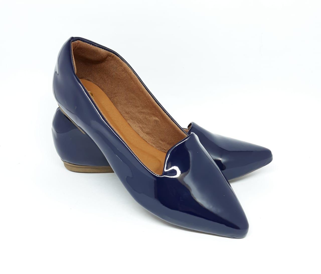 Sapatilha Confort Heloká Bico Fino Verniz Azul Marinho