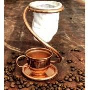 Kit Mini Coador de Café e Xícara com Pires em Cobre