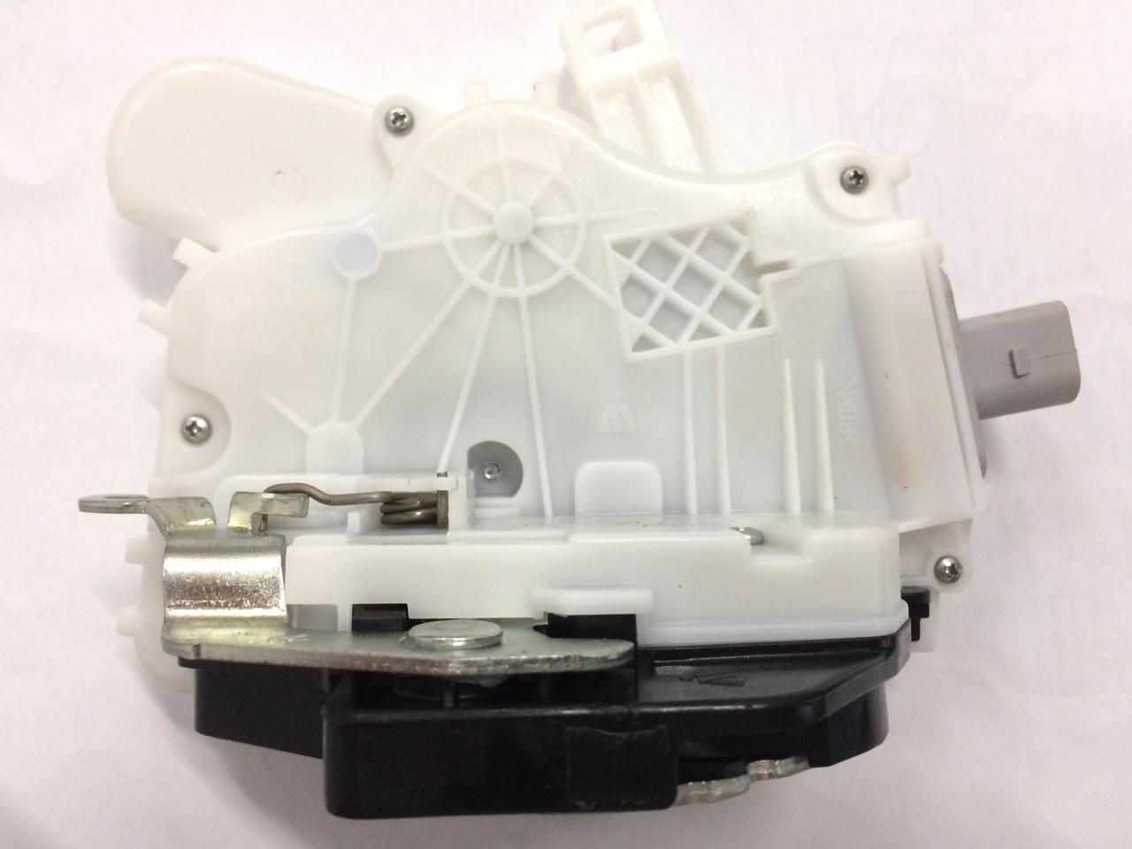 Fechadura Eletrica Porta Traseira Lado Direito VW Fox 5Z4839016S