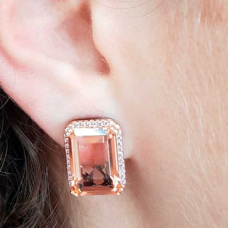 Brinco Ear Clip Retângulo Cristal Morganita e Zircônia Rosa