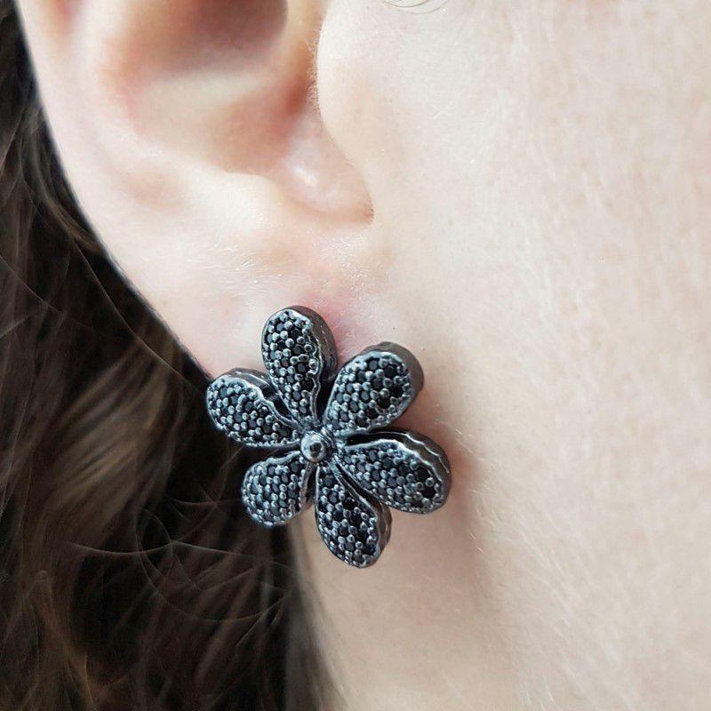 Brinco Ródio Negro Flor Cravejada 6 pétalas