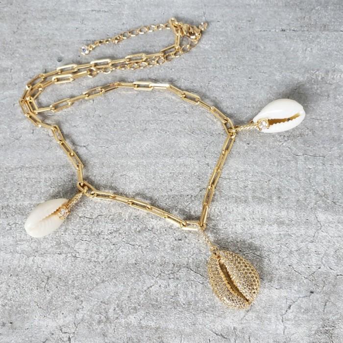 Colar Banho Ouro em Elos com pingentes Concha