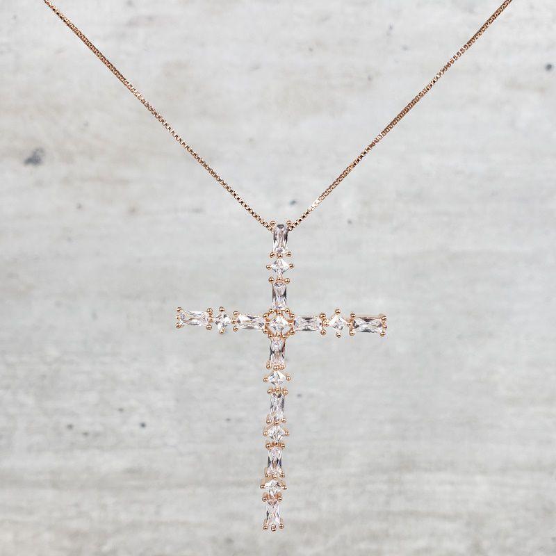 Colar Banho Rose Crucifixo Cravejado