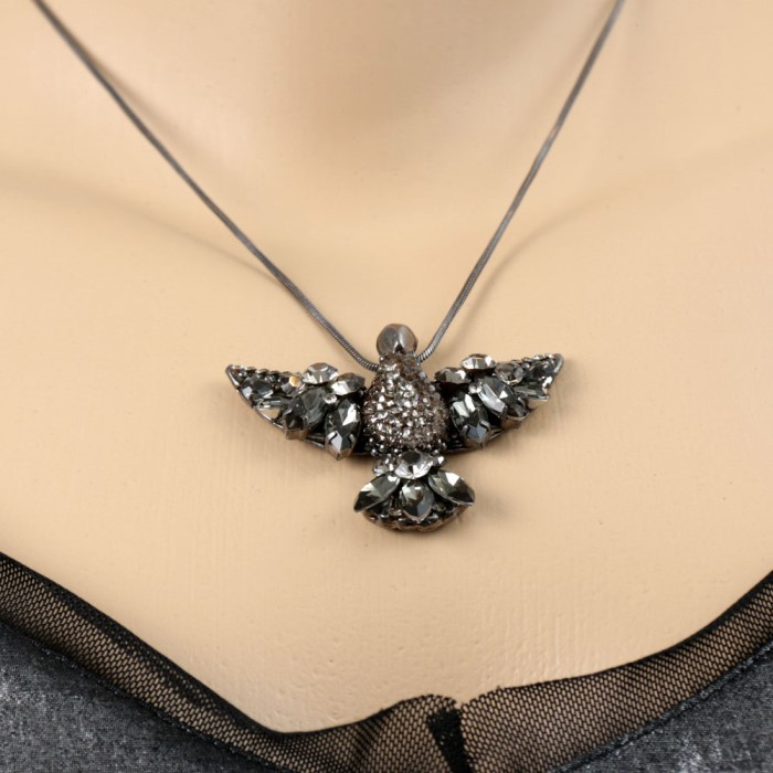 Colar Ródio Negro com Pingente Pássaro