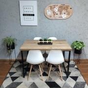 Mesa de Jantar Antiqua Squared Legs com 4 Cadeiras Eames Brancas