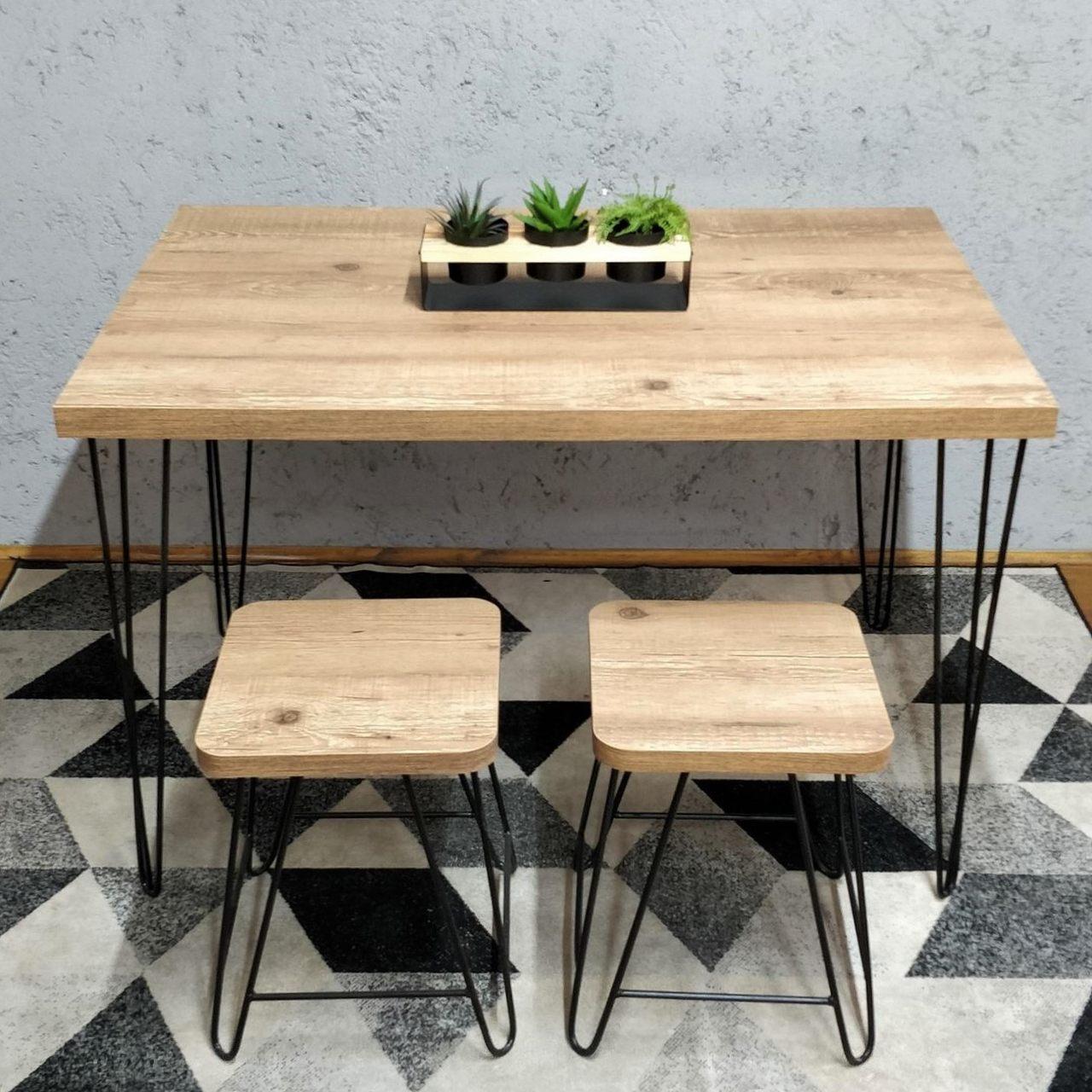 Mesa de Jantar 80x100 Hairpin Legs Antiqua com 2 Banquinhos e 2 Cadeiras Eames Pretas
