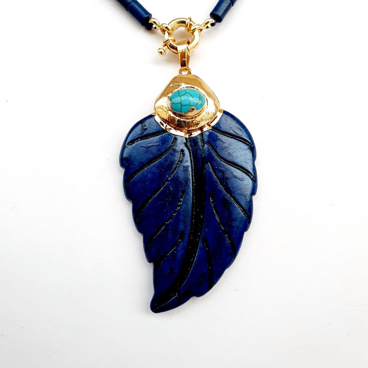 Colar semijoia canutilhos houlita folha Azul 0021