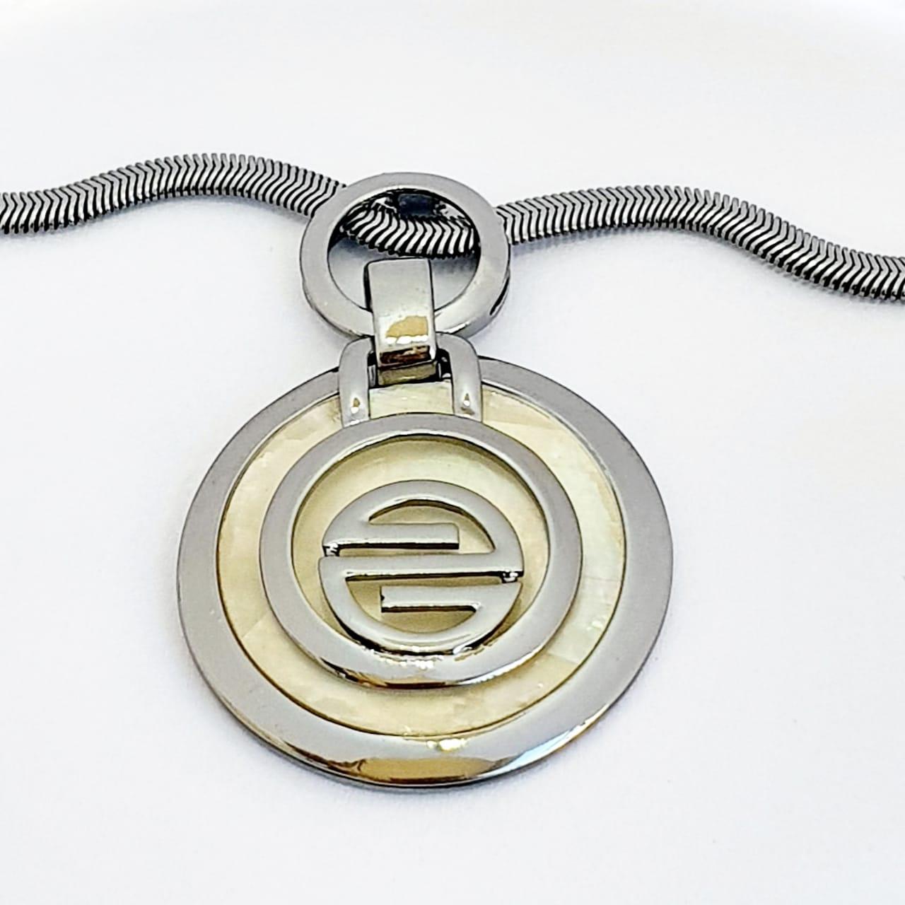 Conjunto semijoia Circulo Medalha Madre Pérola