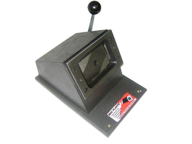Cortador de Crachá Tamanho 54 x 86 mm
