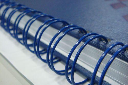 e) Espiral Wire-o 7/8 (Tamanho A4) Capacidade 170 Folhas