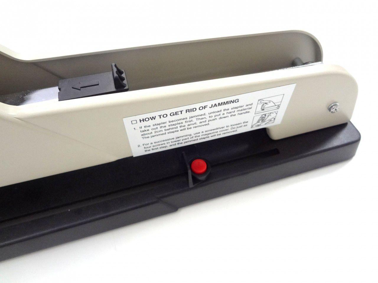 Grampeador Longo alcance (capacidade 240 folhas)