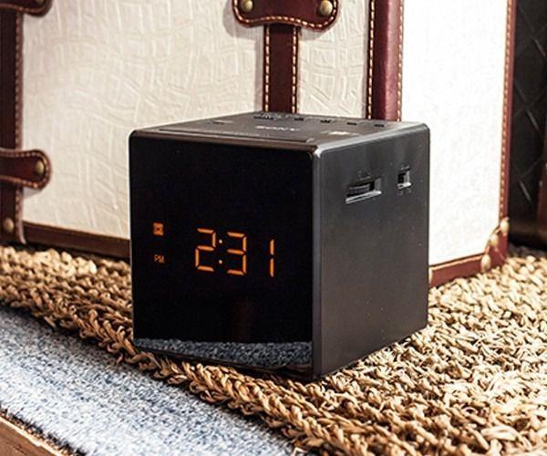 2ad3dc5c685 Radio Relogio Digital Sony Modo Alarme Digital Sony Icf-c1 AM FM ...