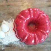 Forma de Bolo Vulcão 12-Cup Bundt 26cm Vermelha Nordic Ware