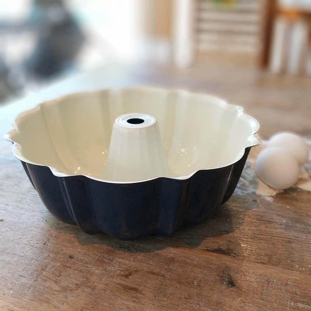 Forma de Bolo Vulcão 12-Cup Bundt 26cm Azul Nordic Ware