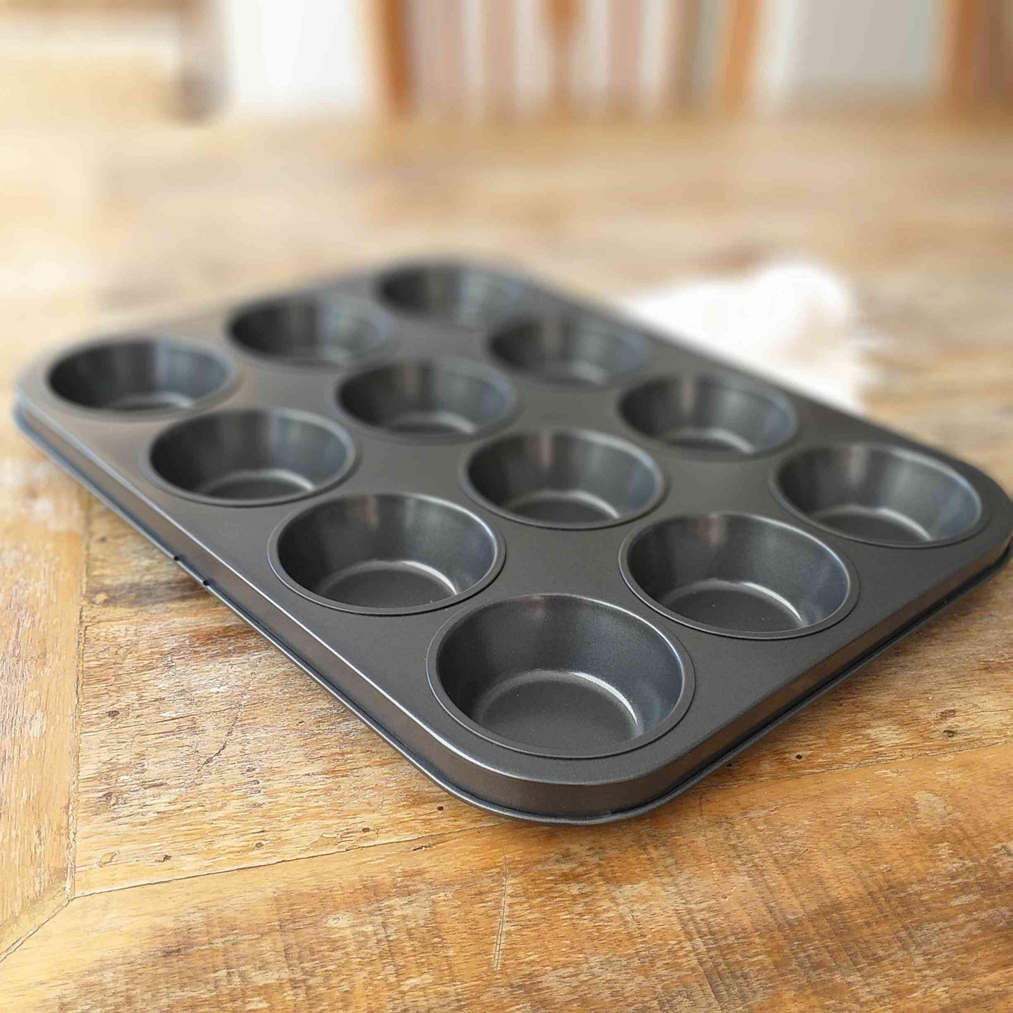 Forma de Bolo 12 Muffins Fackelmann em Metal Antiaderente