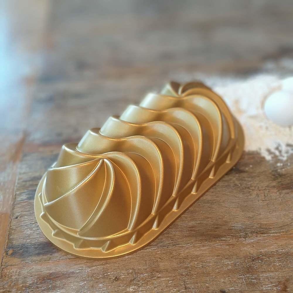 Forma de bolo e Pão Heritage Loaf em Alumínio Fundido Nordic Ware Dourada