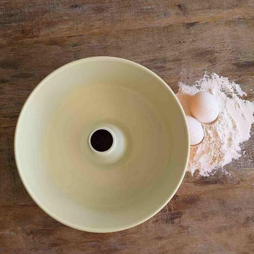 Forma para Pudim Angel Food Laranja Nordic Ware   - Brandal table & textile