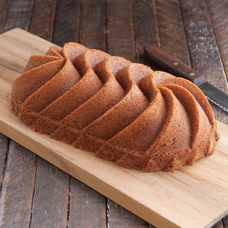 Forma de bolo e Pão Heritage Loaf em Alumínio Fundido Nordic Ware Dourada  - Brandal table & textile
