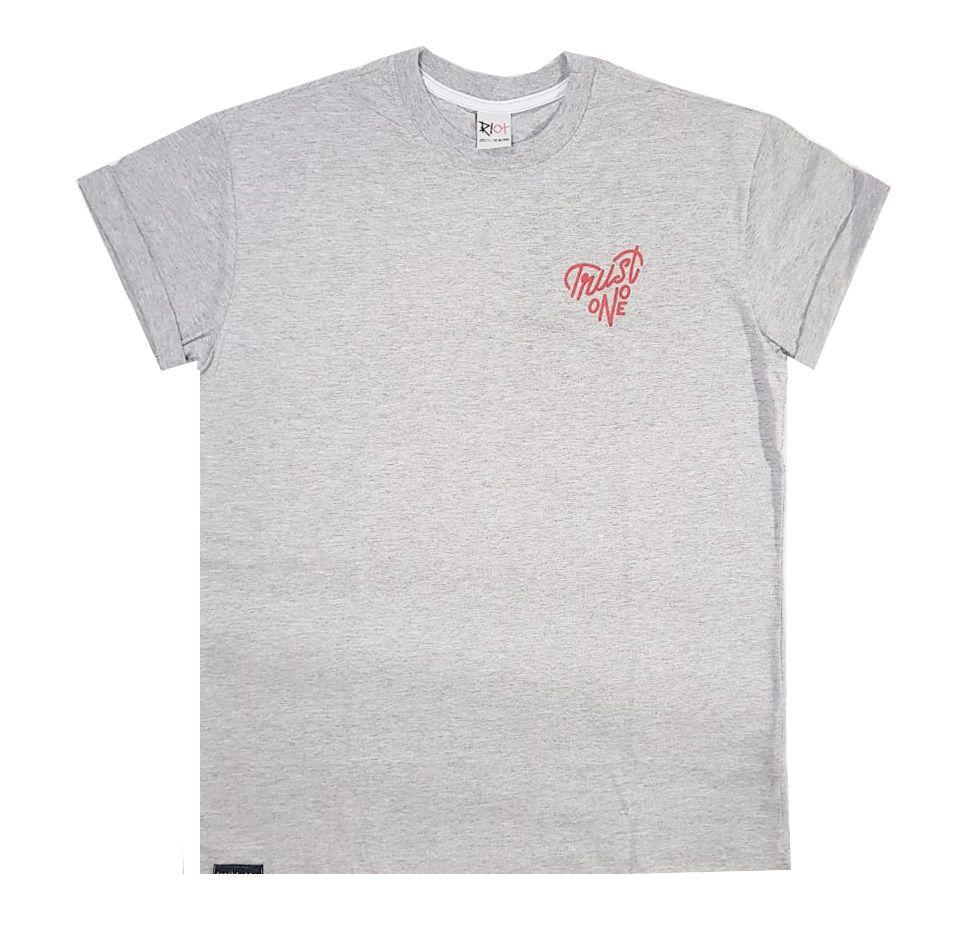 Camiseta Riot Trust no One Grey
