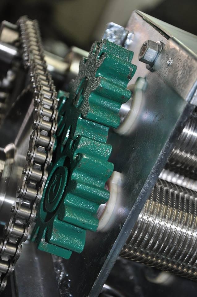 Garapeira Moedor de Cana Elétrica Juby 120 LT/H 1,5 CV MG-120  - Carmel Equipamentos