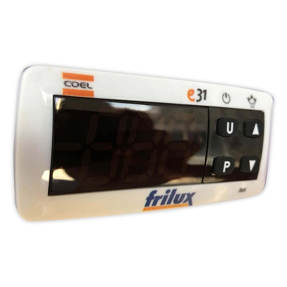 Geladeira Expositora Vertical Refrigerador de Bebidas RF-022 1050 Litros 3 Portas - Frilux  - Carmel Equipamentos