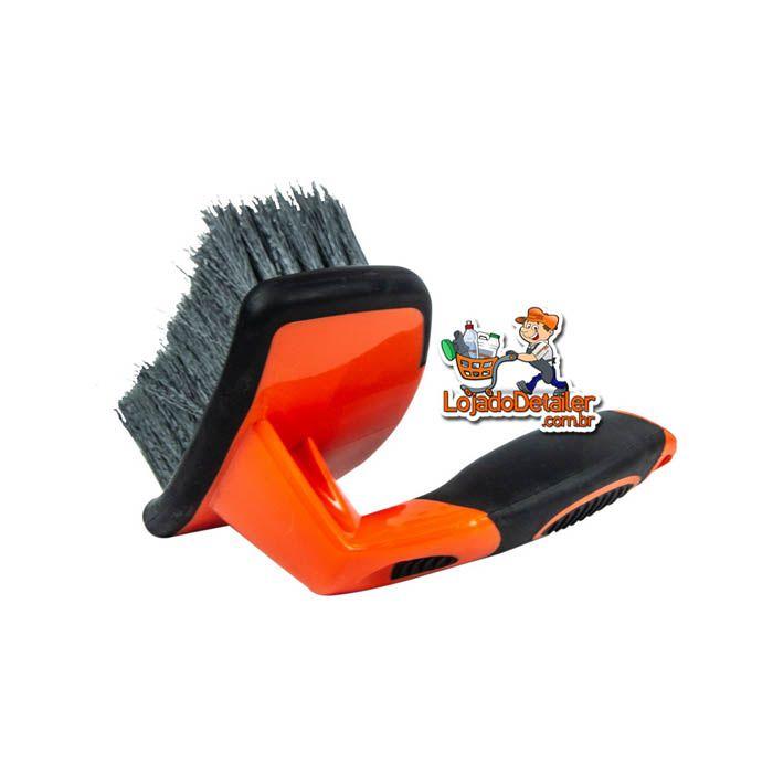 Escova Curva para Limpeza de Rodas - Kers