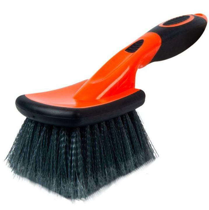 Escova para Limpeza de Rodas Curta - Kers