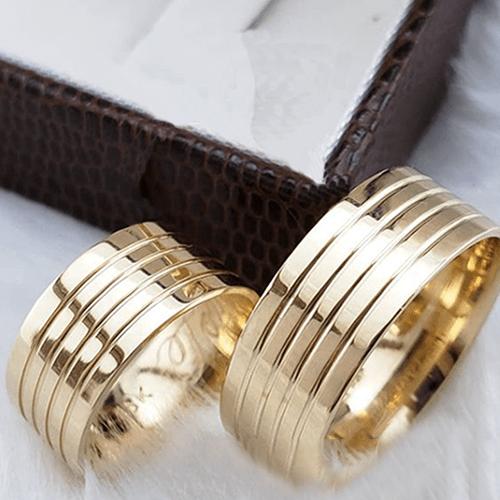 Aliança de Casamento Trabalhada em Ouro 10k 9mm - A127