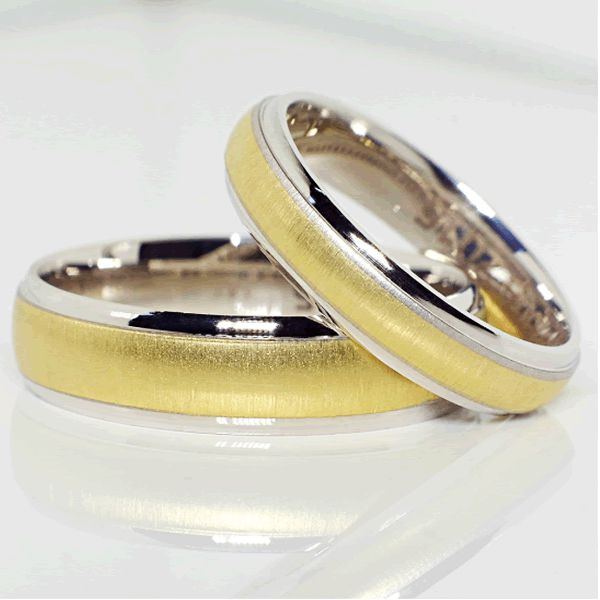 Alianças Noivado Casamento Ouro Branco e Amarelo 5,0mm - A086