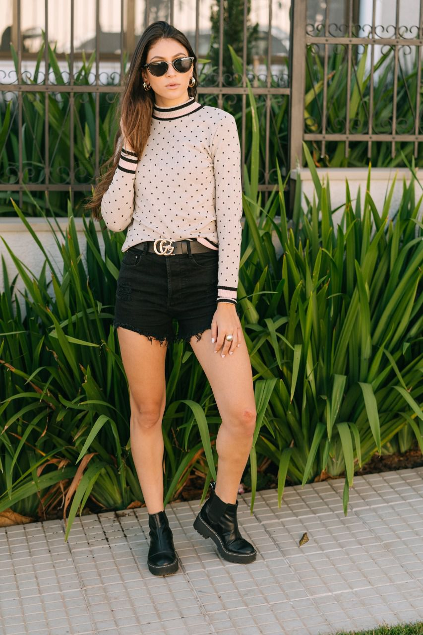 Blusa gola alta moda blogueira de poá
