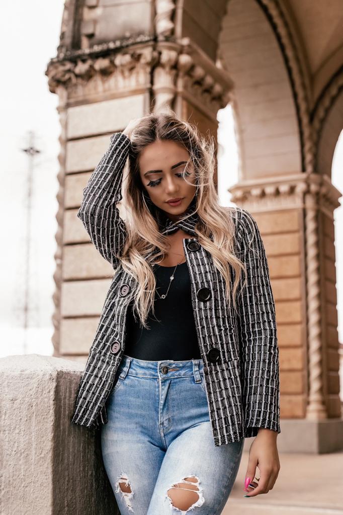 Casaco de trico alfaiataria elastano estilo modal riscado