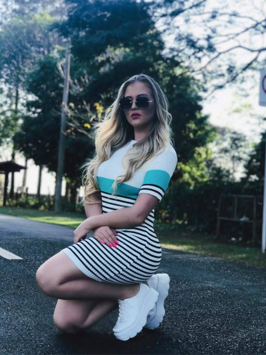 Vestido estilo modal de verão manga curta listrado blogueira