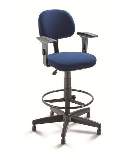 Cadeira Caixa Alta Giratória fixa regulável com Braços e apoio para pés