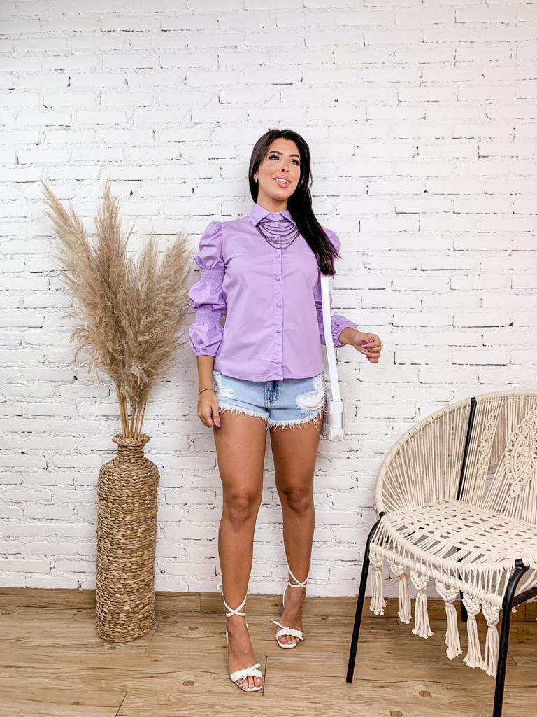 CAMISA LISA COM MANGA BUFANTE E LASTEX