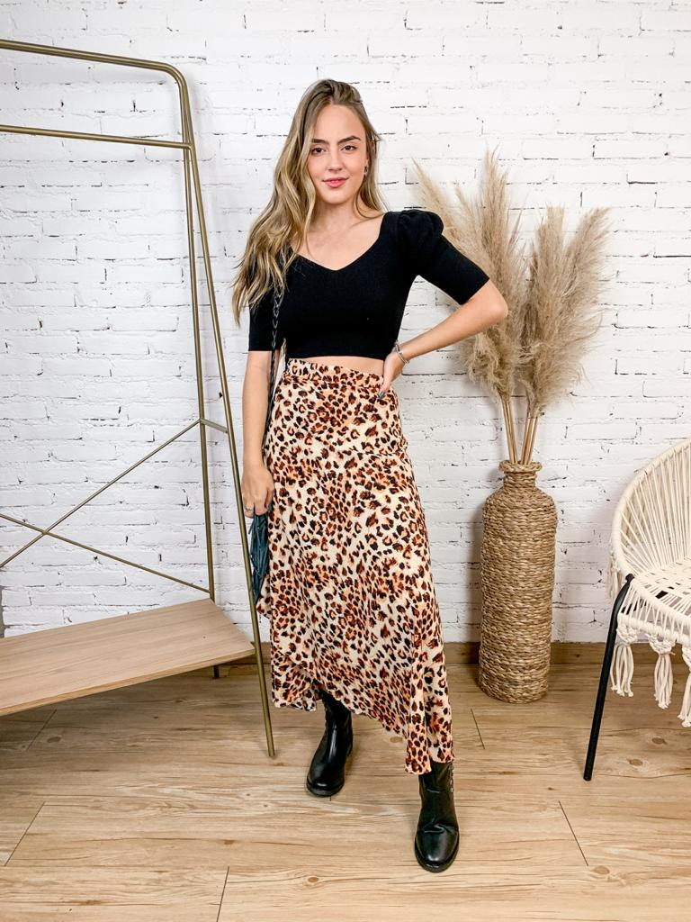 SAIA PAREO DE VISCOSE ANIMAL PRINT